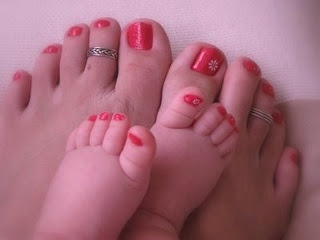 If Baby Moore is a girl, I will definitely do this - so adorable!! Mother Daughter Love