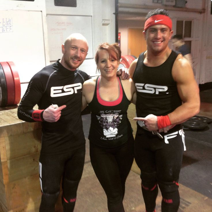 #wanderingweightlifter@fitchrysalis meeting sonny Webster and Gareth Evans this eve nice lifting #weightlifting