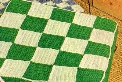 """Professione Donna: Fai da te : """"Grandi cuscini colorati all'uncinetto..."""