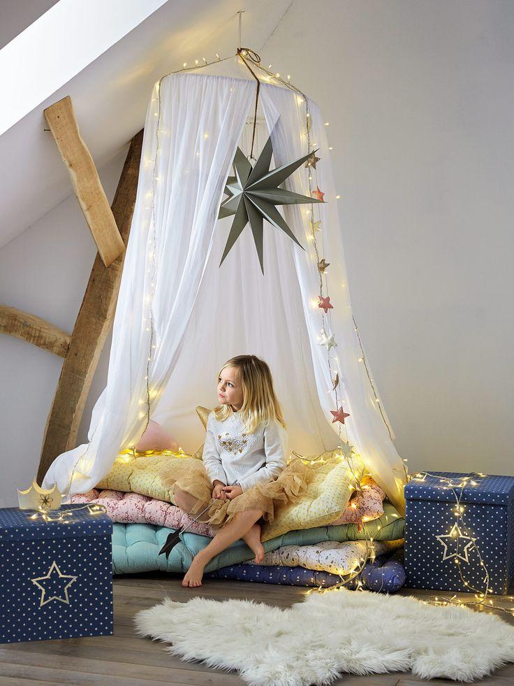 Matelas de sol denim étoiles - Espace de jeu, de lecture ou tout simplement de repos, le matelas de sol est une bonne et belle idée pour se créer un espace détente coloré !   DIMENS