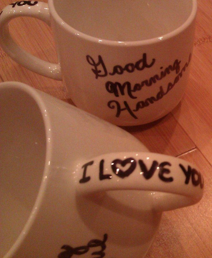 Sharpie Mugs 425 degrees 30 min let cool in the oven = permanent mug art Use colour! :D