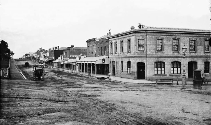 Bridge Rd,Richmond in Victoria at the corner of Church St,looking east in the 1870s.