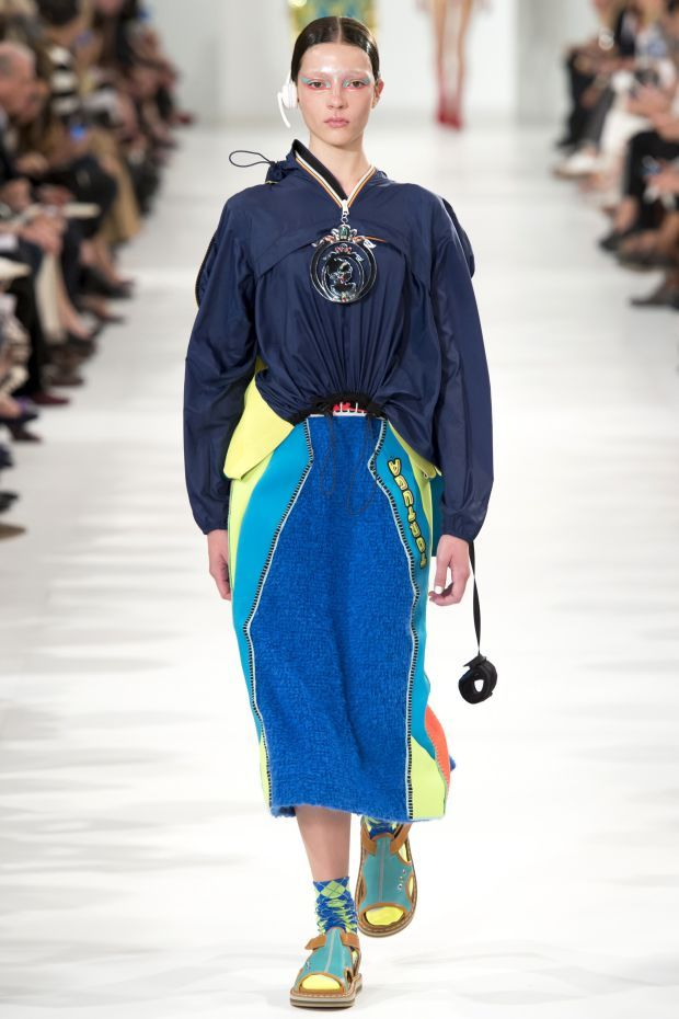 Looks We Loved From Days 1 Through 3 Of Paris Fashion Week-See here