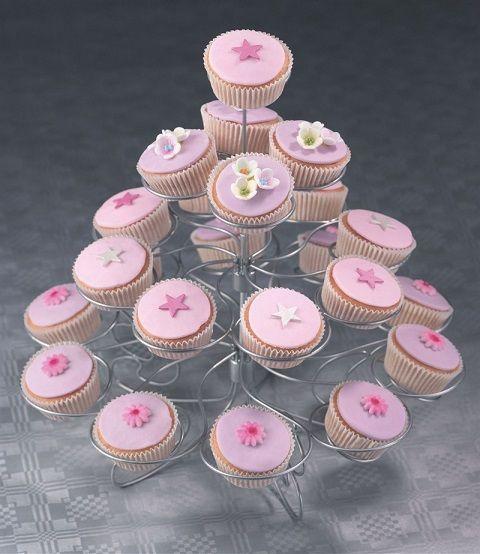www.linasglädjeyra.se Cupcakeställning metall  #bröllop #party #cupcakes #wedding #bröllopsdekorationer #muffins