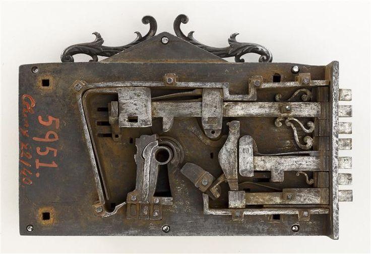 Best 25 serrure ancienne ideas on pinterest serrure - Quincaillerie ancienne meuble ...