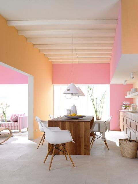 Wohnen mit Farben - Wandfarben in kräftigen Farben in 2018 - wandgestaltung mit drei farben
