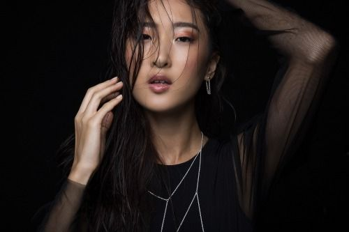 MODEL IN THE SPOTLIGHT: ESTHER OH