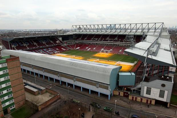 Londen, West Ham: van voetbal tempel tot luxe residenties. Volg ons in de zoektocht naar de meest luxe huizen op aarde, de mooiste historische woningen, de droomhuizen van beroemdheden, wereldnieuws en veel meer.