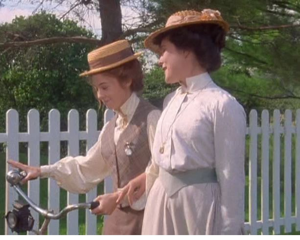 How does anne of green gables shape/reflect canada?