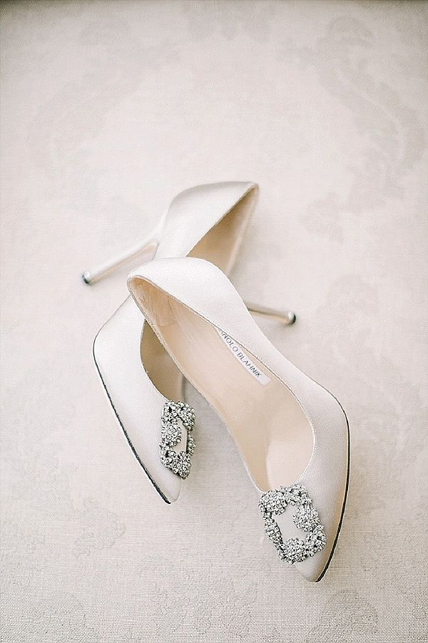 Manolo Blahnik Ivory Wedding Shoes | Image by Bohème Moon Photography