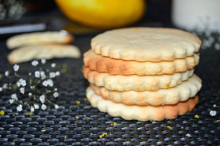 http://miremirc.ro/2015/01/29/biscuiti-cu-lamaie/