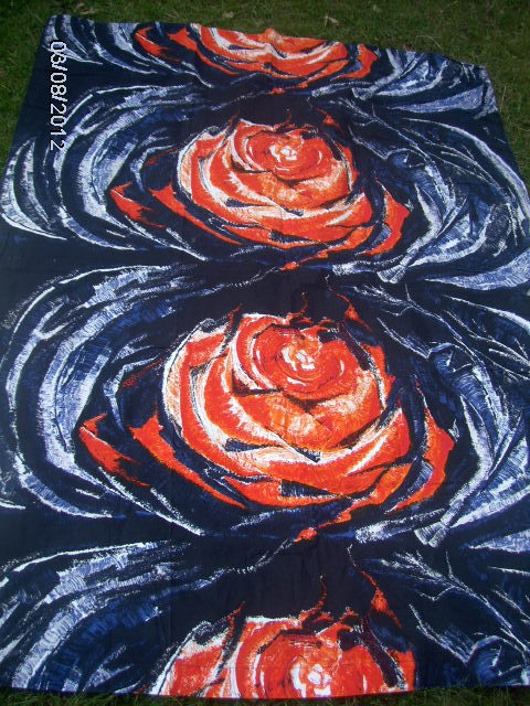 Fin-Helen 70x53 black with big roses
