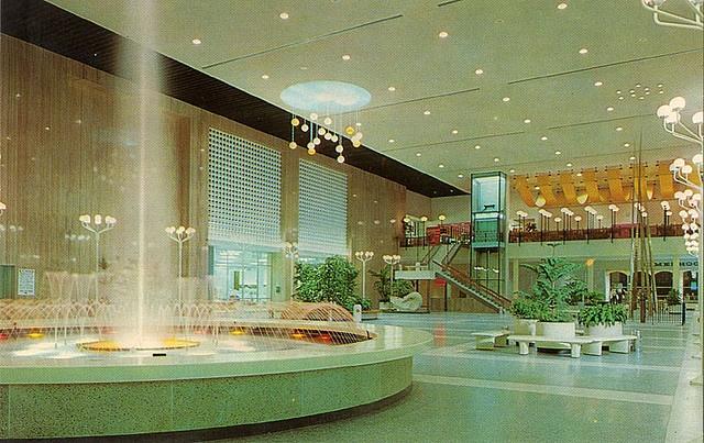 Westland Mall - Hudson's Court circa 1960s | Westland Mall ...