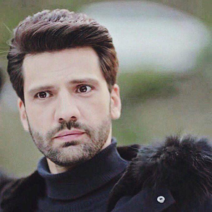 O Sen Olsan Bari Karasevda Emirkozcuoglu Emirkozcuoglu Ks Kaanurgancioglu Kaanurgancioglu Kaanurgancioglufan Actors Turkish Actors Handsome Men
