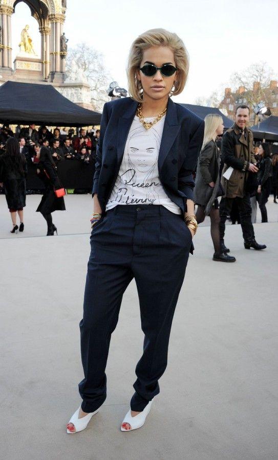 Rita Ora - Les stars se sont bousculées pour assister au défilé Burberry lors de la Fashion Week londonienne.    http://femina.ch/galeries/mes-people/les-stars-se-bousculent-au-defile-burberry    (CP: Burberry)