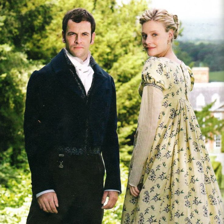 The 2010 Emma (played by the always amazing Romola Garai) was more of a chatelaine and caretaker of Hartfield than I've seen in other productions. Her costumes in the miniseries reflect this side of her personality, right down to the watch chain she wears on her day dresses to supervise the household.