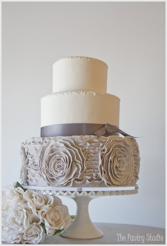 white pearl and gray cake, small but cute.