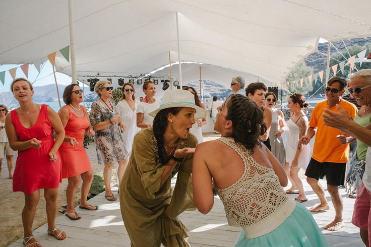 all day fun beach wedding on Kythnos | lafete