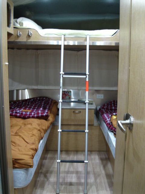 Airstream By Woodland | Bunk Beds WWW.WOODLANDTRAVELCENTER.NET