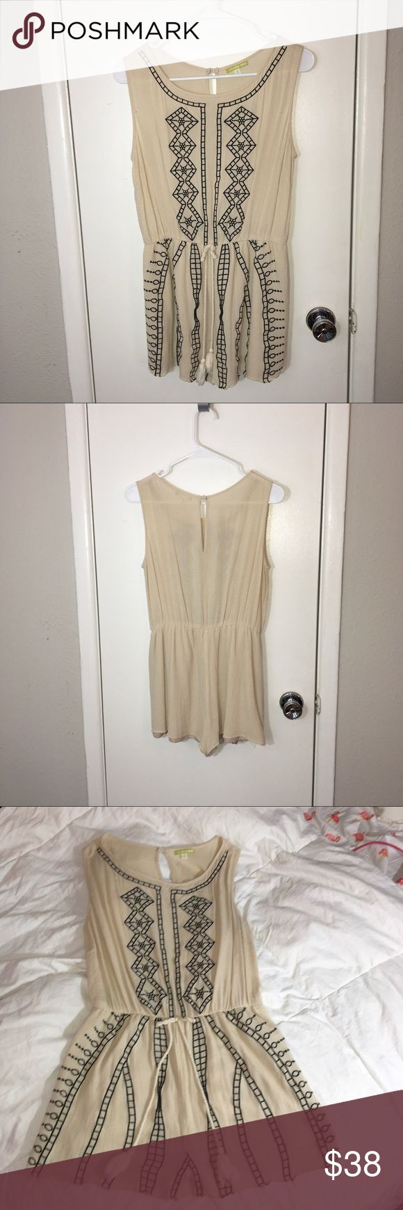 Gianni Bini cream embroidered romper size M Adorable cream romper with navy embroidery detail. Size Medium, Gianni Bini Gianni Bini Dresses