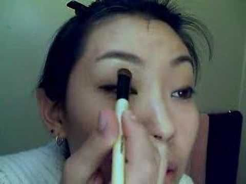 Smoky eyes for Asian monolids
