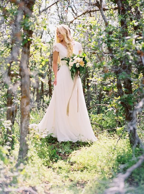 Modest wedding dress with cap lace sleeve and a flowy for Flowy wedding dresses with sleeves