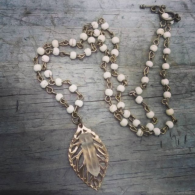 Boho necklace. White Turquoise chain with leaf and natural crystal.
