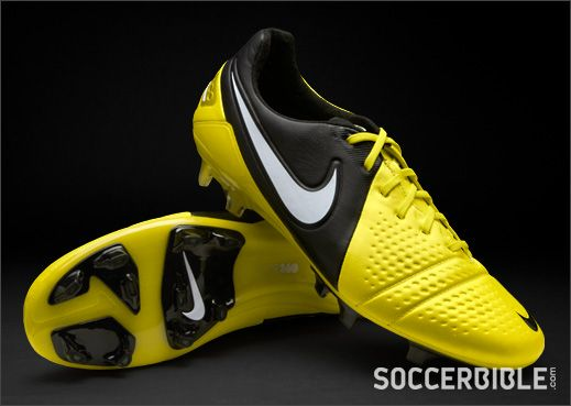Nike CTR360 Maestri III Football Boots - Sonic Yellow/Black - http://www.soccerbible.com/news/football-boots/archive/2012/07/23/nike-ctr360-maestri-iii-football-boots-sonic-yellow-black.aspx