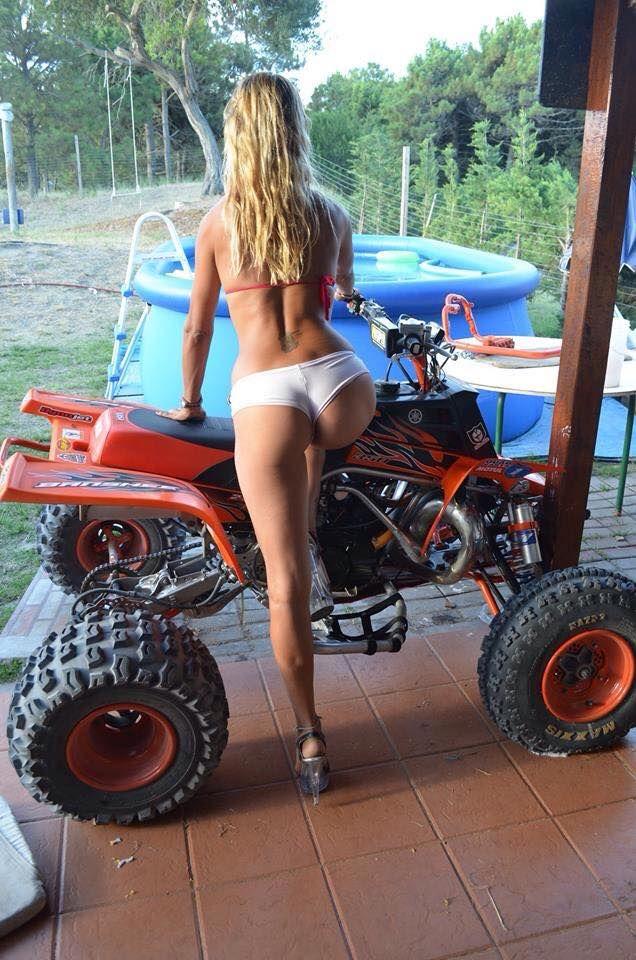 nude-woman-riding-atv