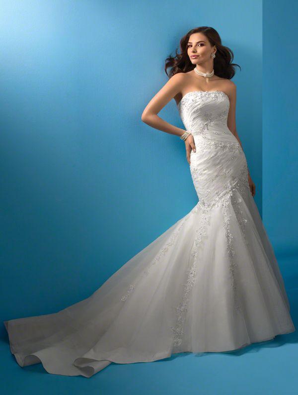63 best Wedding dresses images on Pinterest   Bustle, Wedding frocks ...