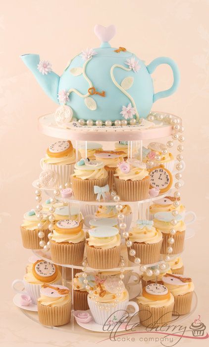 Alice in Wonderland Vintage Tea Party - by littlecherry @ CakesDecor.com - cake decorating website