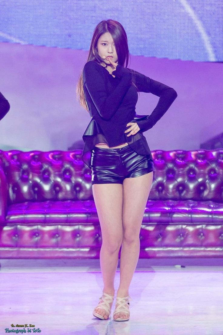 13 Of The Hottest Pairs Of Legs Right Now In K-Pop - Koreaboo
