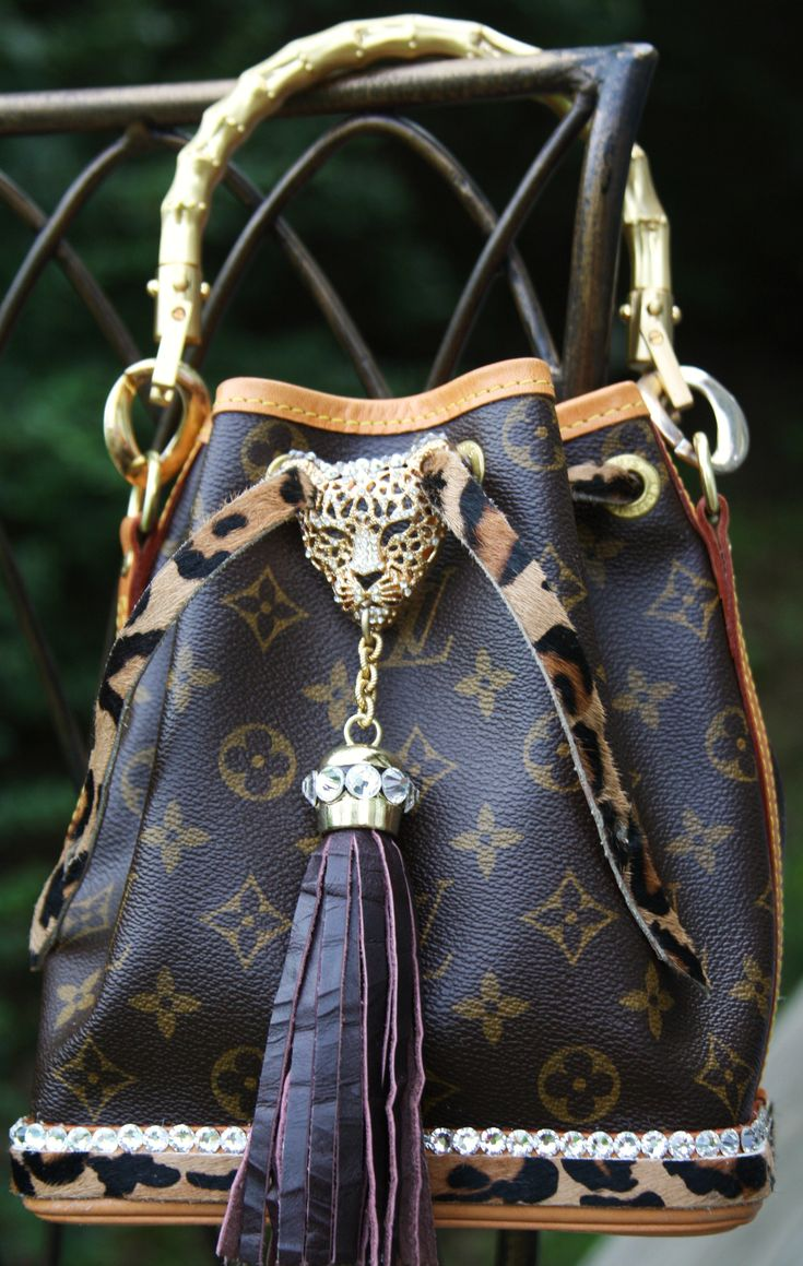 aaac4bfd1456 76 best images about GUCCI vs. LOUIS on Pinterest | Prada purses, Dog  carrier