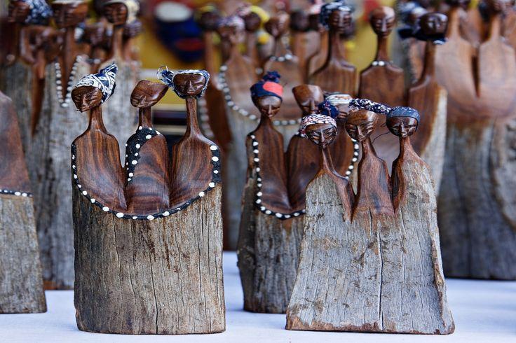Alcuni tra gli oggetti di artigianato locale più comuni in Botswana. Numerosi i mercati dove poterli trovare ed acquistare.  #viaggigiovani #NomadiModerni