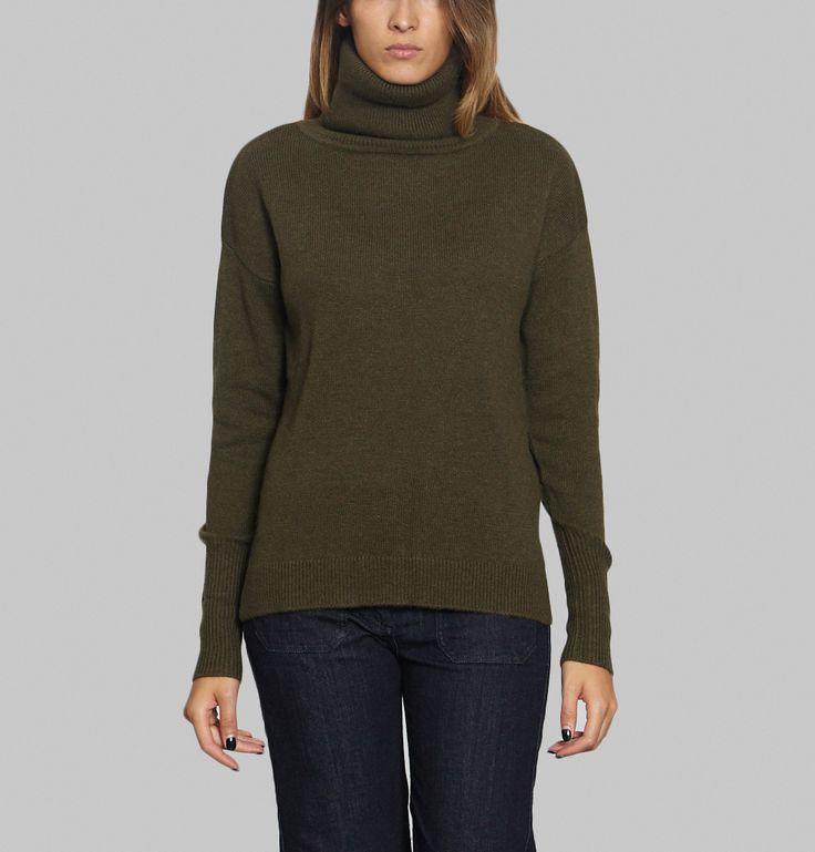 Pull en laine mélangée kaki, col roulé, coupe légèrement ample, manches longues, finitions en bord-côtes.    Essentiel de la garde-robe d'hiver, le pull col rou