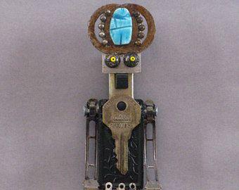 ROBOT SCULPTURE  Metal art sculpture Junk metal art   Ollie
