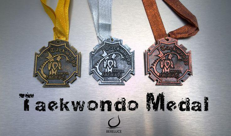 Yo creo que no importa si la medalla que se obtiene en una competencia es de oro, plata o bronce, lo que importa es ser consciente del esfuerzo y la dedicación que uno muestra, sólo así esa medalla obtenida tendrá un valor y un gran satisfacción.