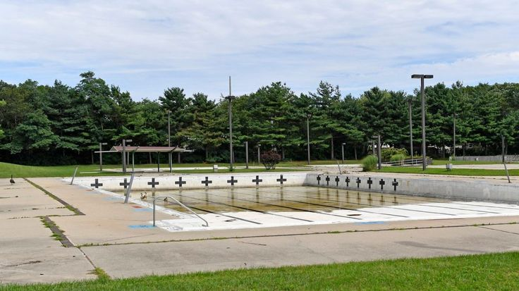 Islip selects contractor to renovate pool at Roberto Clemente Park