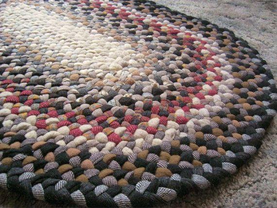 Handmade Vintage Wool Oval Braided Rug In Earthtones From