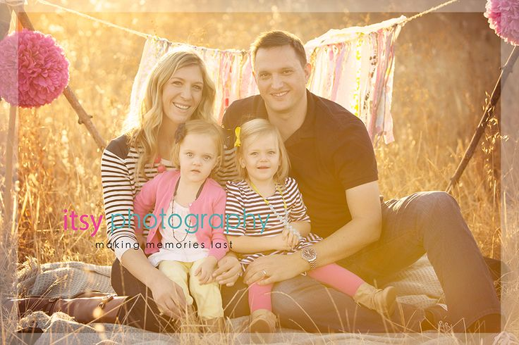 9 best images about family photography posing ideas on for Family of four photo ideas