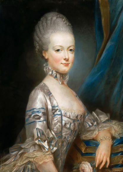 Unglaublich, wie die Royals immer strahlen! Herzogin Kate sieht selbst direkt nach der Entbindung großartig aus. Wie machen die das nur? Wir verraten die besten und skurrilsten Tricks. Hier: Marie Antoinette
