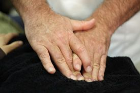 Raynaud's natural remedies hands osteopathic therapy