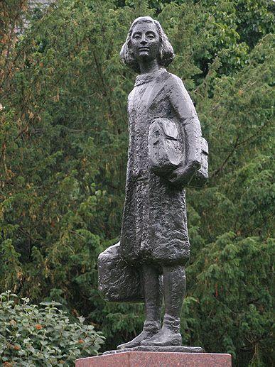 Anne Frank - Merwedeplein - Amsterdam                                                                                                                                                                                 More