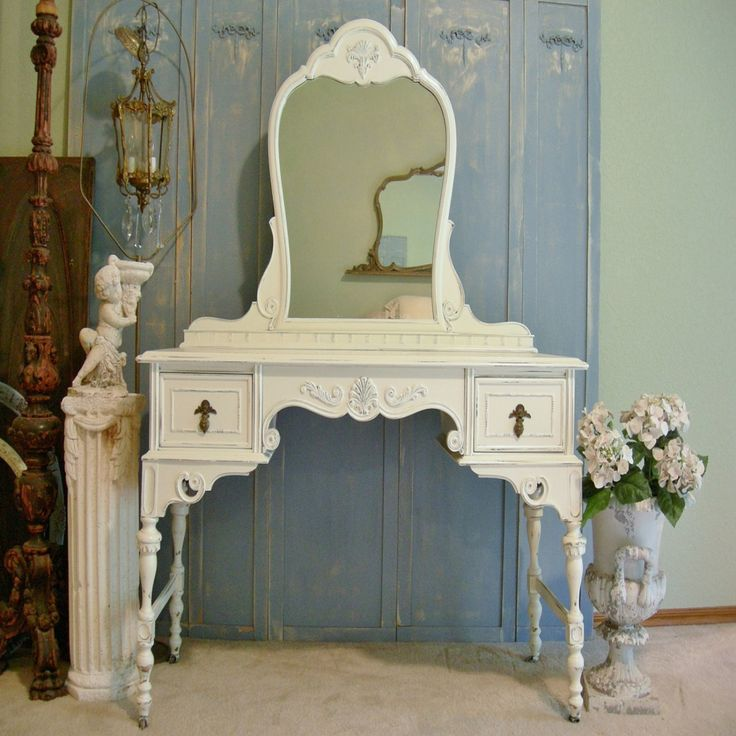 Shabby Chic Bedroom Chairs   Design Ideas for Small Bedrooms Check more at  http. The 25  best Small bedroom chairs ideas on Pinterest   Bedroom