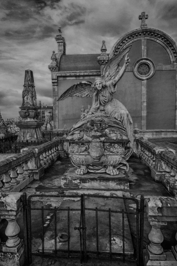 #Graveyard #cementerio #aviles #laluz