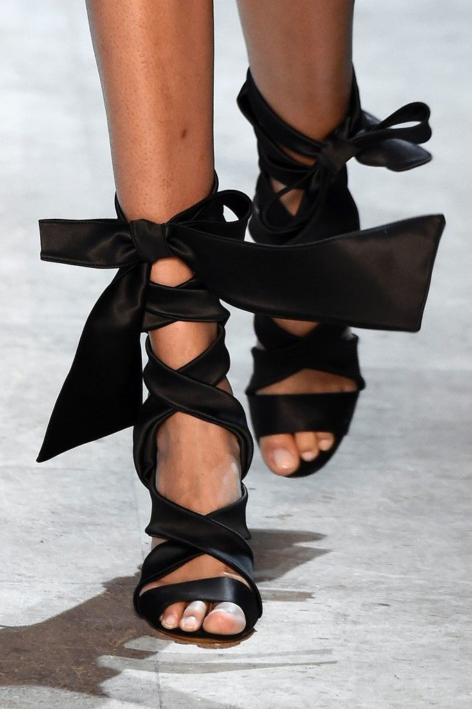 Luxe Glam: ALEXANDRE VAUTHIER | ZsaZsa Bellagio - Like No Other