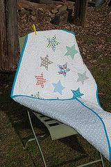star quilt-great for a baby!: Stars Quilts, Baby Quilts, Country Quilts, Tickertap Cots, Cots Quilts, White Quilts, Memories Quilts, Country Stars, Boys Quilts