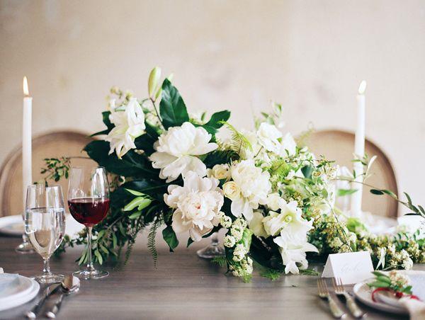 minimalist and moody wedding editorial - photo by Loft Photography http://ruffledblog.com/minimalist-and-moody-wedding-editorial