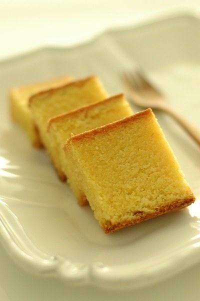 lemon polenta almond cake. No gluten | Gluten-free goodies | Pintere ...