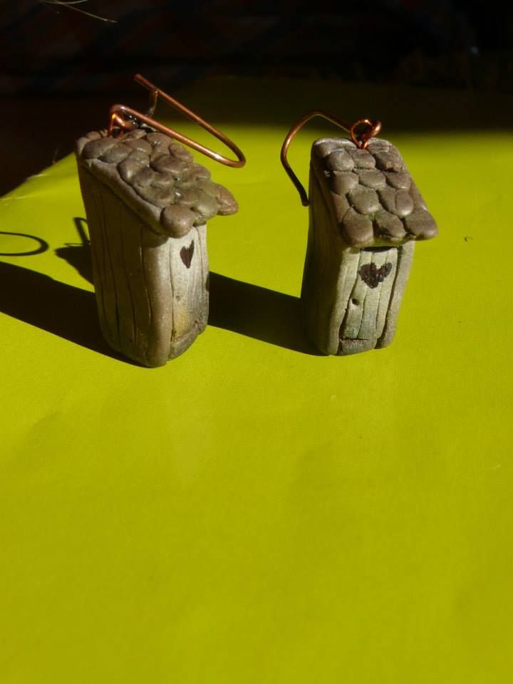 wooden latrine earrings - Pidlimaja